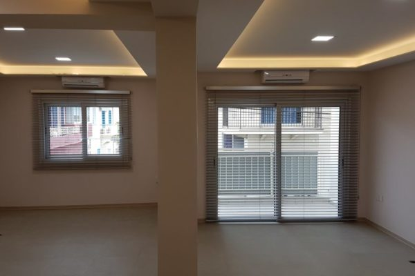 Office for Long Term Rent in Molos